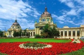 Les jardins des thermes Széchenyi