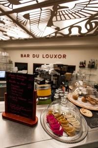 L'intérieur du bar du Louxor. DR.