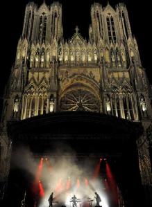 Elektricity, sur le parvis de la cathédrale de Reims. DR.